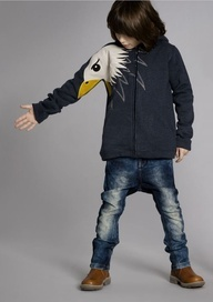 We sure love this hoodie from UBANG Babblechat. http://emilea.be/shop/ubang-babblechat/