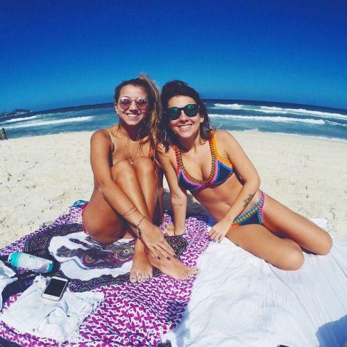 summer beach babes
