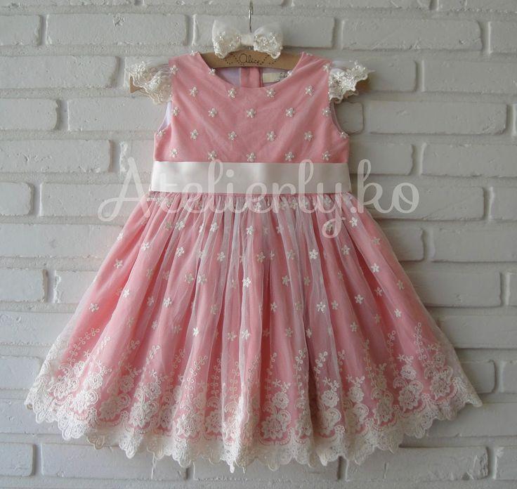 Um vestido especial para a Alice ir em um casamento dia 10, em Lauro de Freitas/BA!!!   Este ano, a mamãe Amanda queria um vestido le...