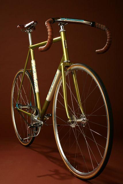 Classic fixed wheel track bike