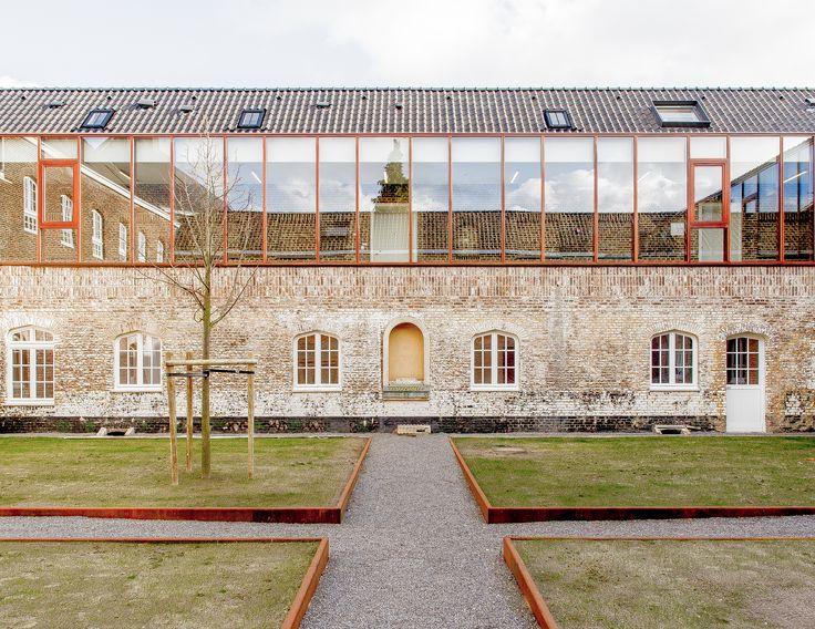 Galeria de conversão da capela Clarenhof / a2o architecten – 1   – Arq. anexada