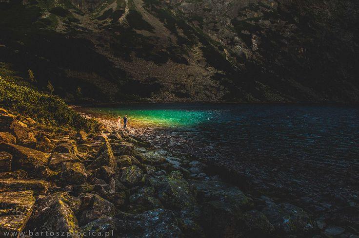 Zdjęcia ślubne w górach - Tatry, Czarny staw pod Rysami www.bartoszplocica.pl