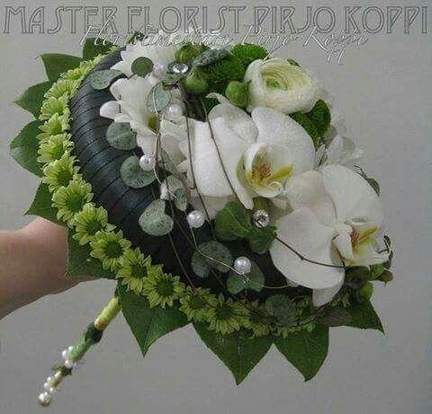 http://tokobungatmii.blogspot.co.id/p/toko-bunga-cibubur.html