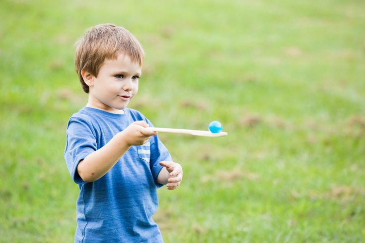 Egg and Spoon Race in the backyard is great fun for Easter #easter #egg #autumn #beafunmum