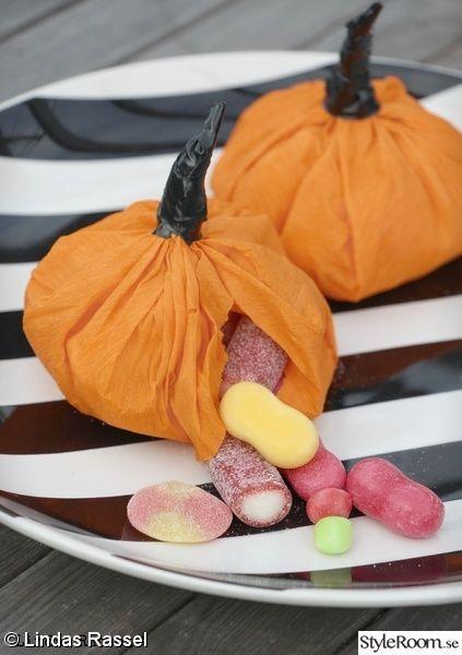 halloween,treats,godisgömma,diy,pyssel,karameller åt barnen,pumpa,pumpa av papper,dekoration höst,do-it-yourself