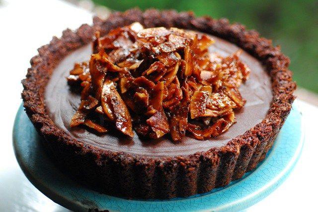 I made my ganache tart last night for a friend's wedding - I'd forgotten how good it was!  Decadent Coconut Ganache Tart | Low Tox Life