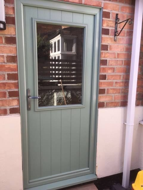 A Flint Beeston style @SolidorLtd composite door in Chartwell green on white with a brushed aluminium handle. Installed in West Bridgford, Nottingham. For a free quotation call us on 01158 660066 visit http://www.thenottinghamwindowcompany.co.uk or pop into our West Bridgford showroom.