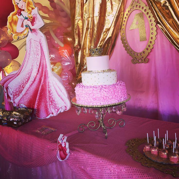 Detalles mesa principal princesa Aurora
