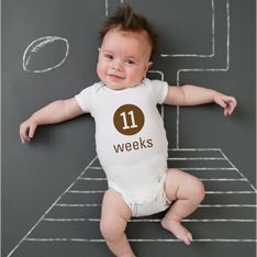 From month-by-month photos to first year quilts, we're excited to bring you a countdown of the 10 MOST creative ways to document your baby's first year!