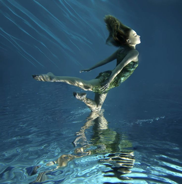 картинки где человек в воде формы