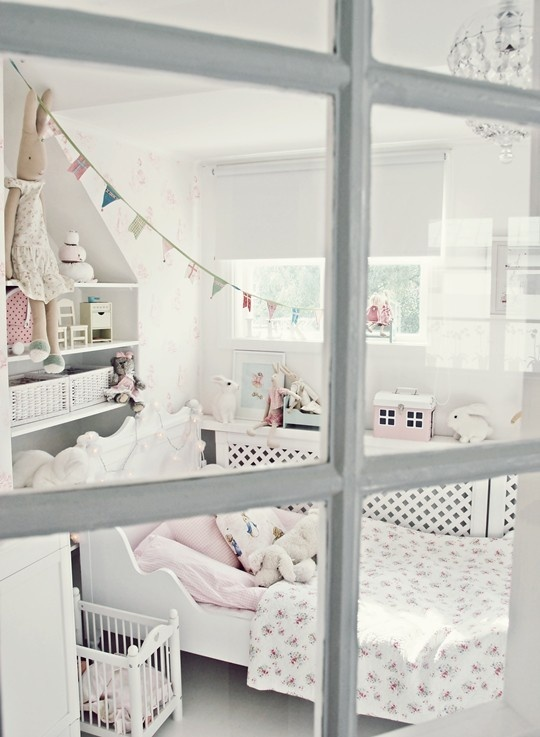 Cute girl bedroom home-inspirations