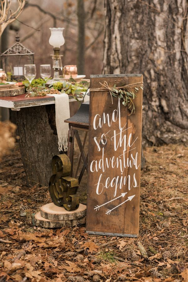Rustic outdoor woodland signs! A perfect wintry touch for the indoors.