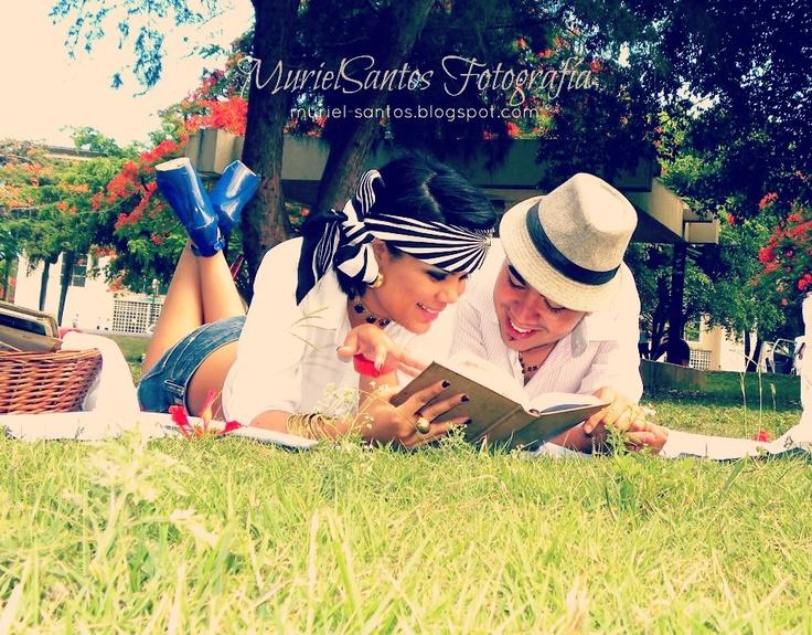 vintage picnic, engagement