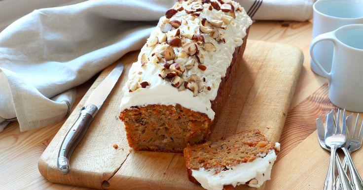 """750g vous propose la recette """"Carrot cake comme chez Starbucks"""" en pas à pas. Avec une photo pour chaque étape, la réalisation de cette recette est un jeu d'enfant."""
