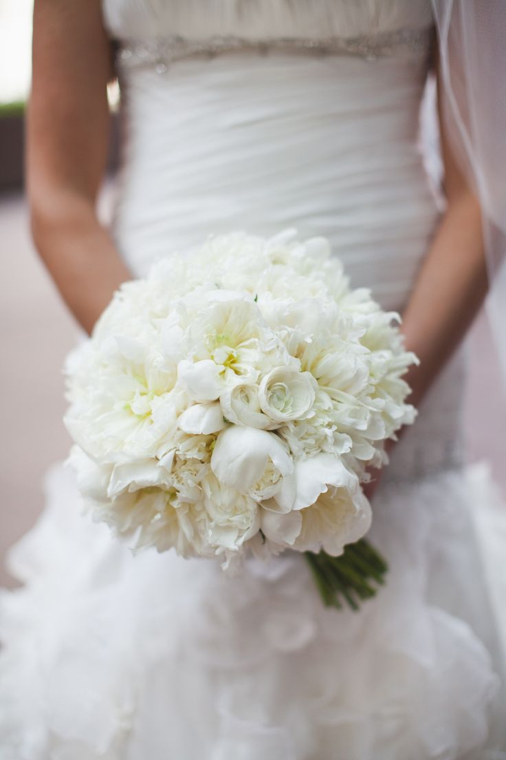 Stunning All White Bouquet -- On http://www.StyleMePretty.com/midwest-weddings/2014/03/27/modern-chicago-wedding-at-the-metropolitan-club/ Floral Design - AStemAbove.com -- Photography: TheRasers.com