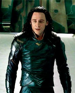 He does that!! This is so Tom/Loki....