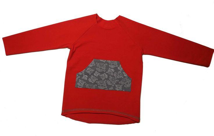 """Koszulka Sweet Kiss Koszulka z długim rękawem z kieszonką """"kangurką""""na dziecięce skarby w autorski nadruk w małpki. Miapka Design to rewolucja w świecie kurteczek dla Maluszków. Marka stworzona z myślą o najmłodszych, których wygoda jest dla mam bardzo ważna.  koszulki z długim rękawem, chłopcy, dziewczynki"""