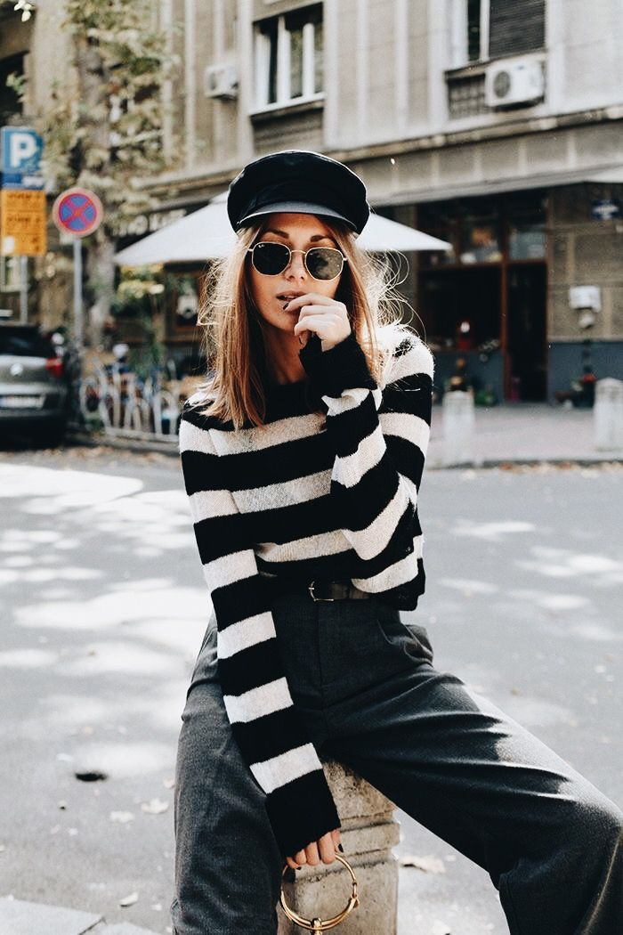 Striped top outfit, newsboy cap outfit, pageboy hat outfit, fall outfit, winter outfit, monochromatic outfit, how to be stylish in fall,