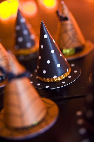 polka dot hat!: Halloween Witches, Holidays Halloween Ideas, Bewitching Halloween, Childrens Halloweeny, Bewitching Bonnie, Holiday Halloween, Halloween Crafts Diy, Dot Witch S