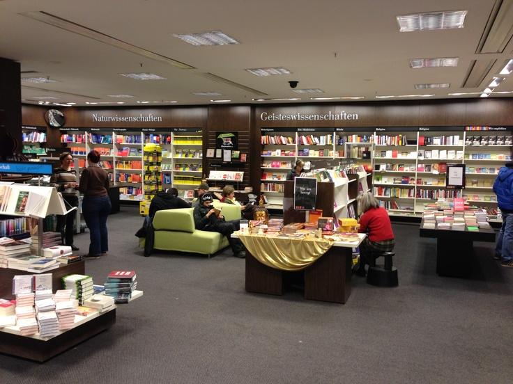 Mayersche Buchhandlung in Köln.