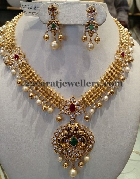 Jewellery Designs: 60 gms Kundan Necklace Antique Pendant