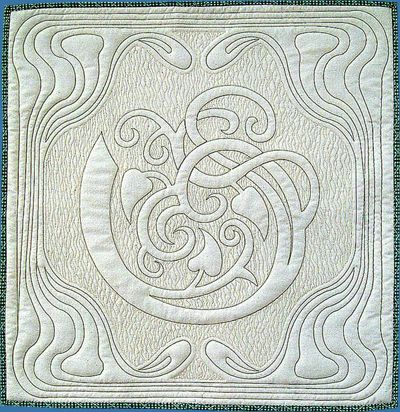 Mini whole cloth Art Nouveau design by Anita Shackelford.  The digitized design is available on her site.