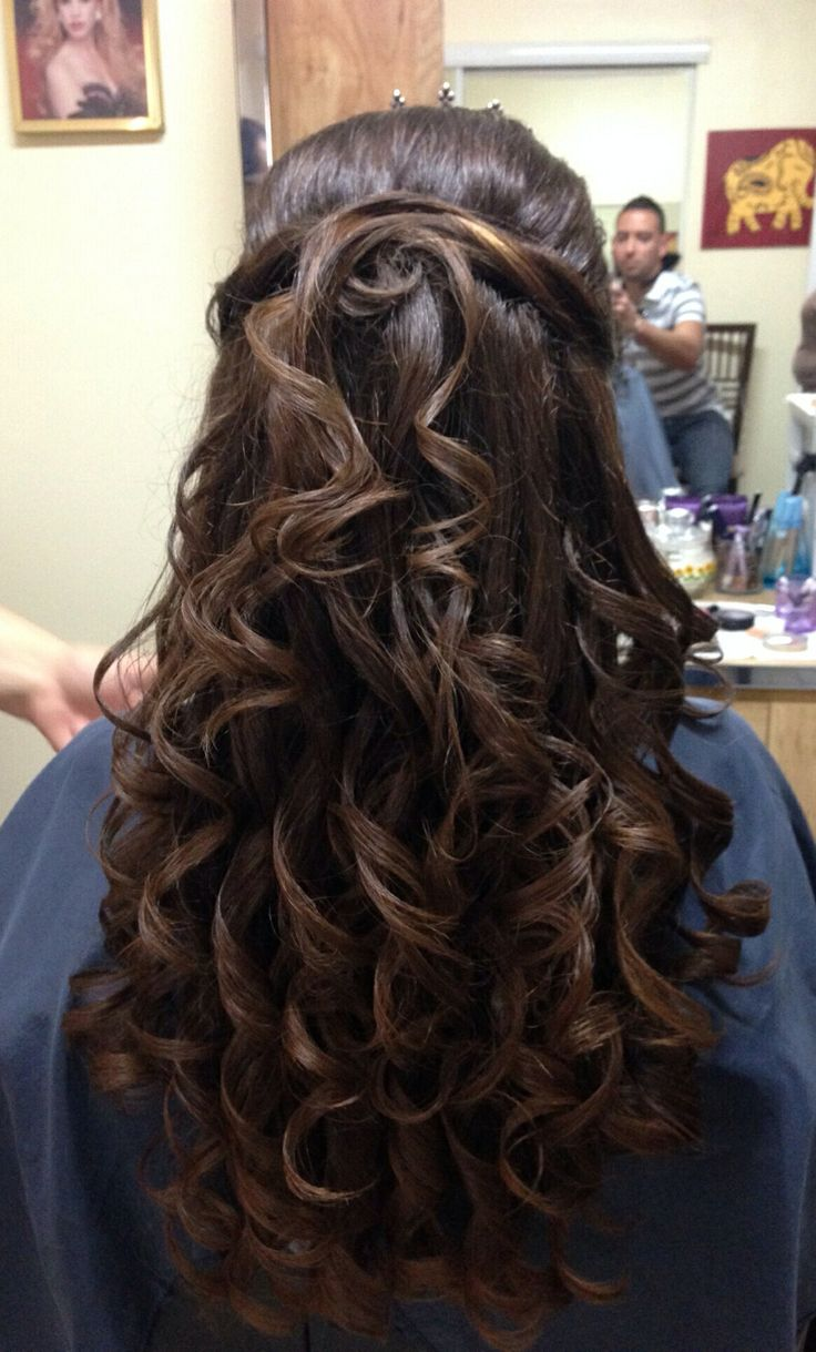 Quinceanera Hairstyles For Long Hair With Curls And Tiara : Quinceanera Hairstyles With Curls And Tiara Picture Ideas With Blunt ...