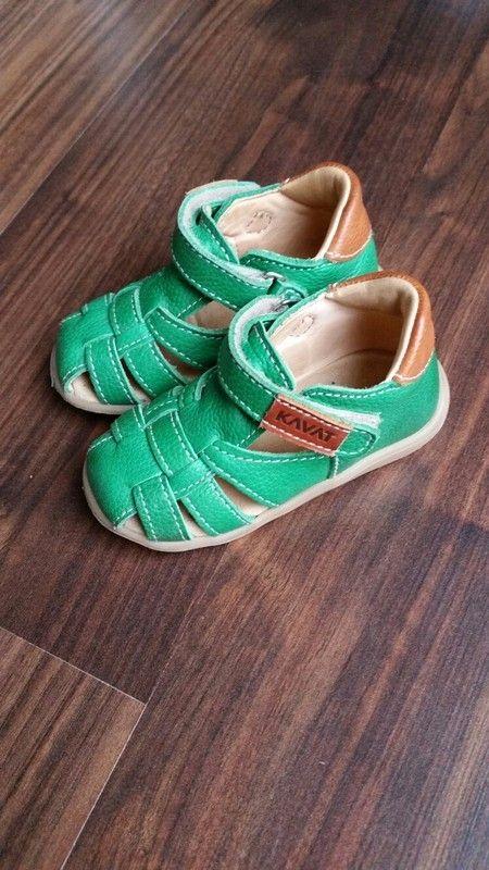 Grüne Sandalen