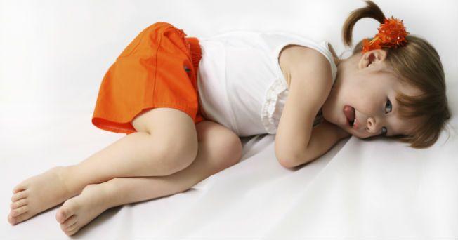 Se cree que la artritis reumatoide es un padecimiento de personas mayores o de la tercera edad; sin embargo, este padecimiento puede presentarse en niños y jóvenes, aunque 60% de las personas con síntomas iniciales tienen entre 30 y 50 años. La Dra. Fedra Irazoque Palazuelos nos explica las generalidades de la enfermedad.  Aunque los científicos todavía no conocen las causas exactas de la artritis reumatoidea juvenil, saben que se le asocia a anomalías en el sistema inmunitario, que defiende…
