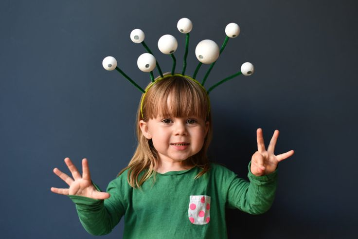 DIY SPACE COSTUME IDEAS - GET READY FOR BLAST OFF! - Ladyland - thisisladyland.com