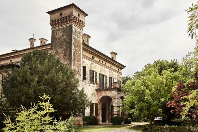 Tour The 17th-Century Italian Villa In Director Luca Guadagninou0027s - maison du tournage occasion