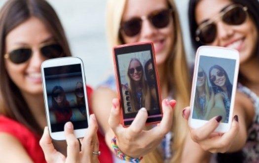 3 Handphone Buatan Indonesia Yang Berkualitas