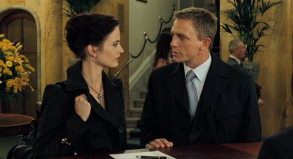 Eva Green es Vesper Lynd and Daniel Craig as James Bond en Casino Royale