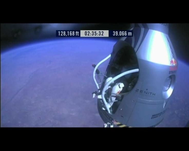 A 39.066 m @redbullstratos #felibaumgartner