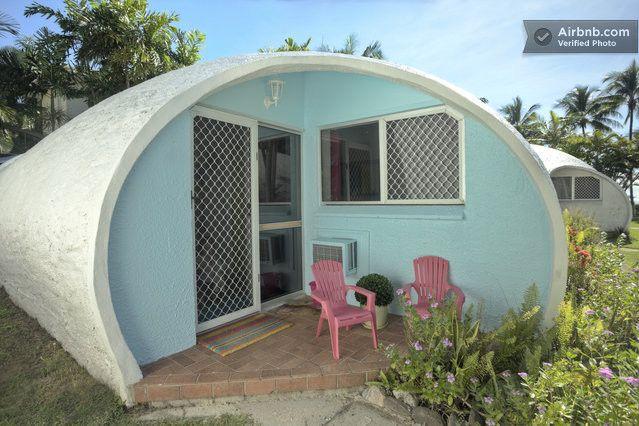 Igloo by the Sea- Private Beachouse in Trinity Beach