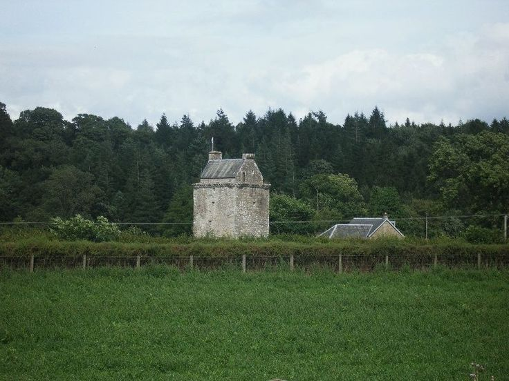 TO READ:  Reivers - The Border Lands are Pacified In March 1603 Elizabeth 1 of England died without issue.The Crown of England was bestowed on the King of Scots, James V1. He set about subjugating the unruly Border Clans (picture:  Hollows Pele Tower)