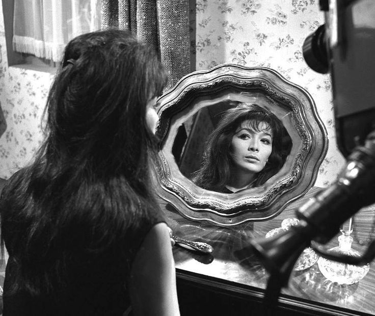 Stile Peplo Greco: 88 Best Images About Juliette Greco On Pinterest