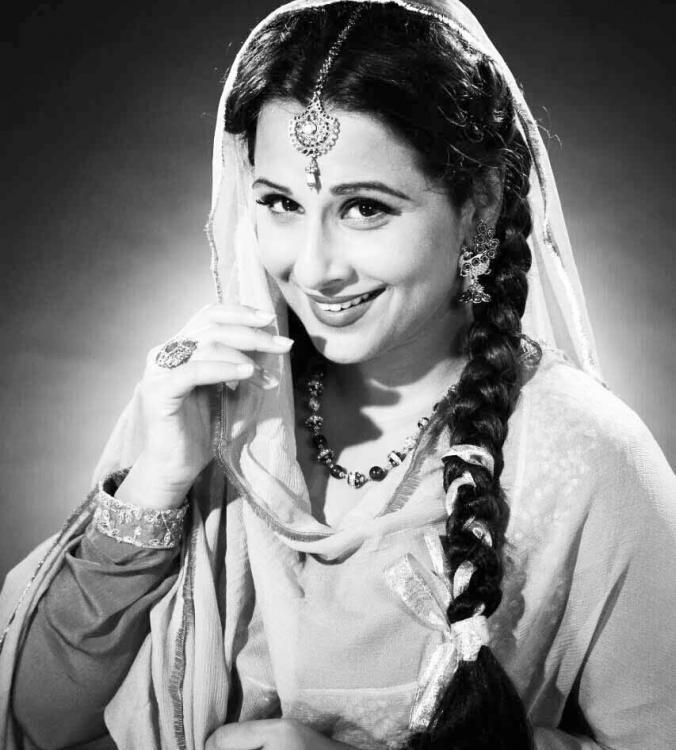 Vidya Balan looks ethereal as Geeta Bali in this Ekk Albela still