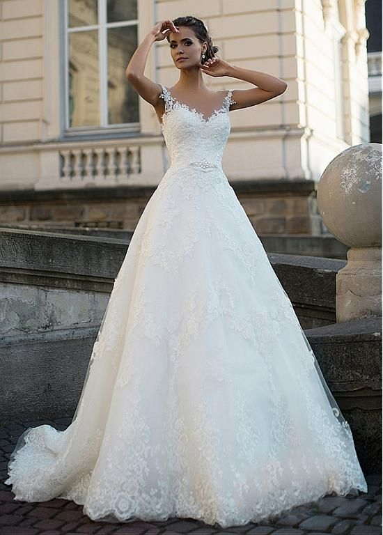 Magbridal Alluring Tulle Jewel Neckline A-line Wedding Dresses With Lace Appliques