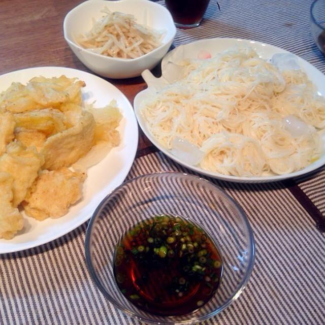 ✳︎天ぷら(鶏ささみ・新玉ねぎ) ✳︎そうめん ✳︎もやしサラダ - 4件のもぐもぐ - 5月9日 夜ごはん by narunaruchan