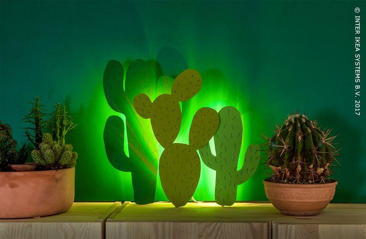 Soyez créatifs avec de l'éclairage LED et créez différentes atmosphère lumineuse. Tropicale, joyeusement intense ou amusante, laissez vous inspirer par nos idées DIY pour un sentiment de bonheur dans n'importe quelle pièce. Baguette lumineuse souple DIODER 24,99/pce #IKEABE #idéeIKEA #IKEAxStudioWootWoot Let's get creative with led lights and go for a special light ambience! Tropical warm, cheerful intense or just cosy, get inspired by our simple DIY ideas for an instant happy feeling.