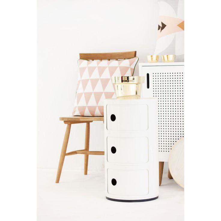 Componibili 3-fack, vit från Kartell – Köp online på Rum21.se