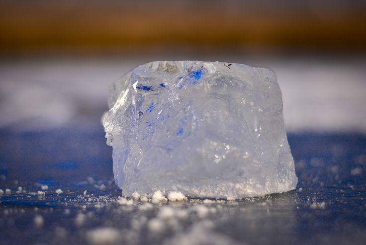 """Hrubos Zsolt Hétkúti jéghegy A kép Móron készült a Ribizlis tónál, a """"jéghegy"""" kb. 15 cm magas. Több kép Zsolttól: www.facebook.com/zsolt.hrubos és www.hrubosfoto.hu"""