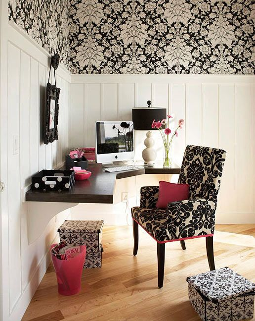 Black & white lamp. Plus, if you're going to do frilly, this is the way to do it. I like the corner desk idea as well.
