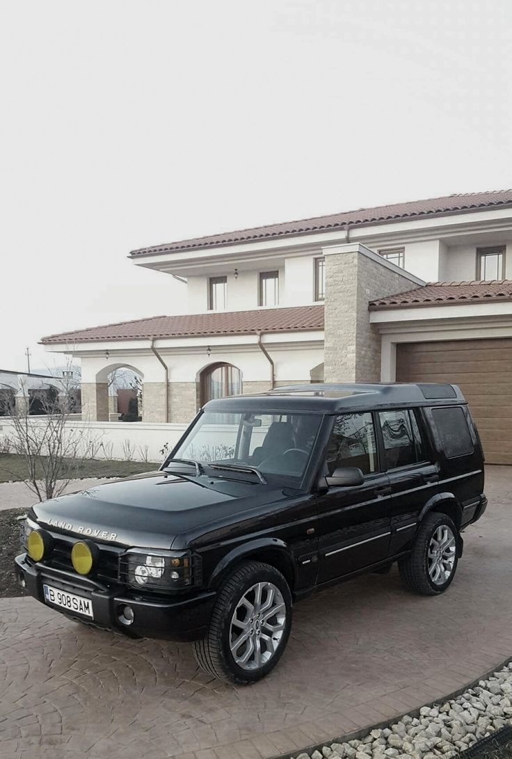 17 best toys images on pinterest range rover range for Garage land rover brest