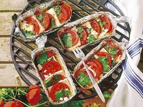 Schnelle Tomaten-Feta-Pfanne vom Grill