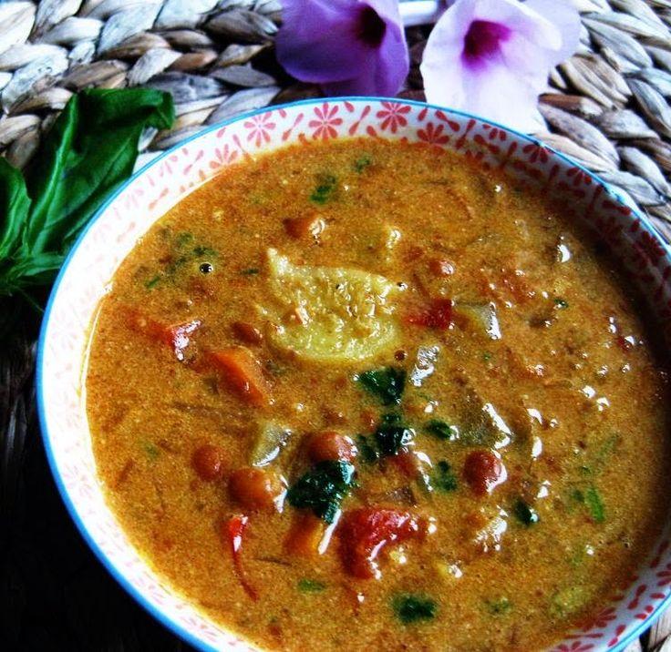 Una sopa ligera y refrescante gracias a los sabores del jenjibre, cardamomo y lima. Se puede degustar caliente o fría, y puede ser perfec...