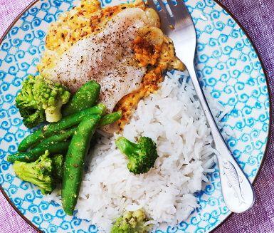 Krämig fisk som får fin smak av pestogrönt.