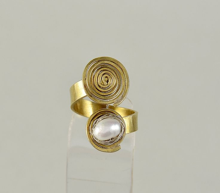 Gold spiral ring, open brass ring,women pearl ring,coil jewelry,artisan ring,middle finger ring, wrapped wire ring,anniversary gift under 25 by ColorLatinoJewelry on Etsy