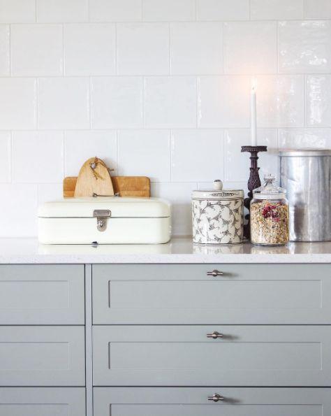 Kjøkkendetaljer fra Ekte Interiør, med Vives Etnia på veggen. #flisekompaniet